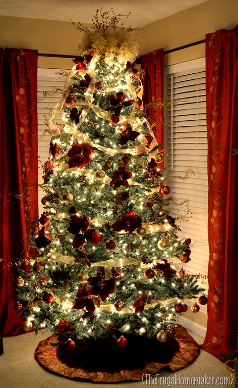 i have done the same basic colors ever since we were married that might change next year if i can find some good clearance sales after christmas this year - House Without A Christmas Tree
