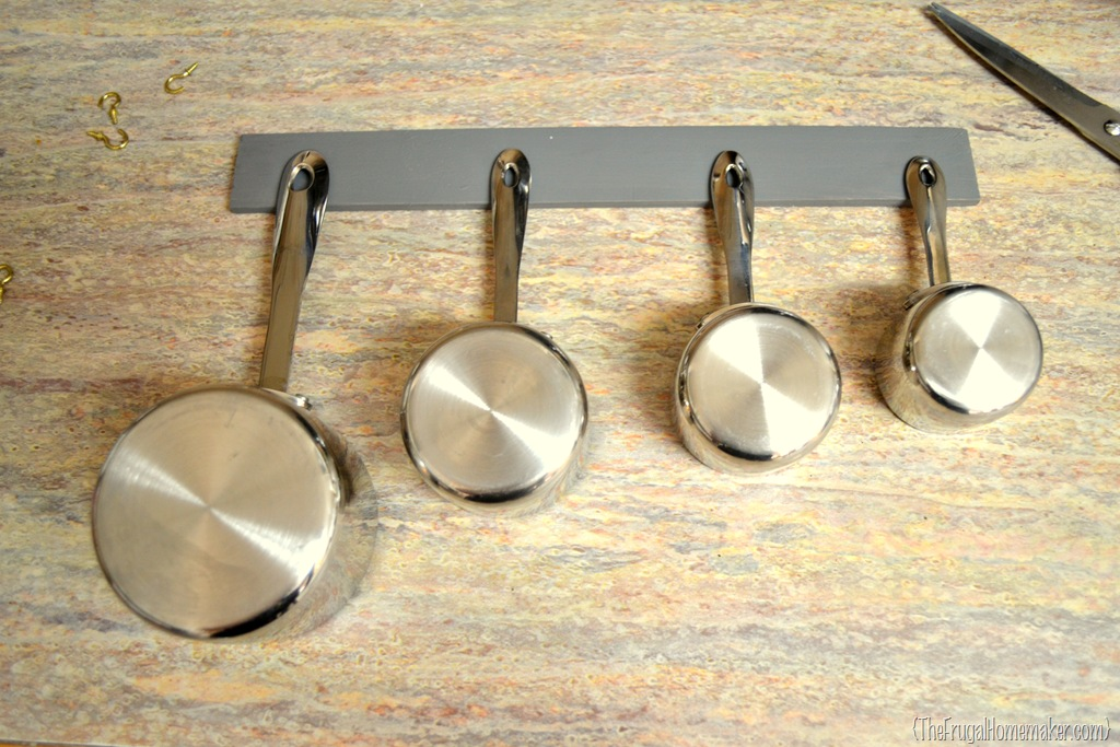 Kitchen Measuring Cup Decorative Rack With Hooks