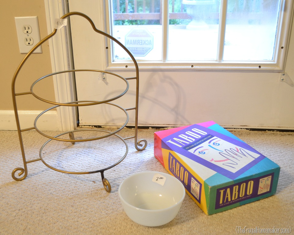 Friday Frugal Finds–plate stand, 50¢ game, vintage milk glass, clothes and more