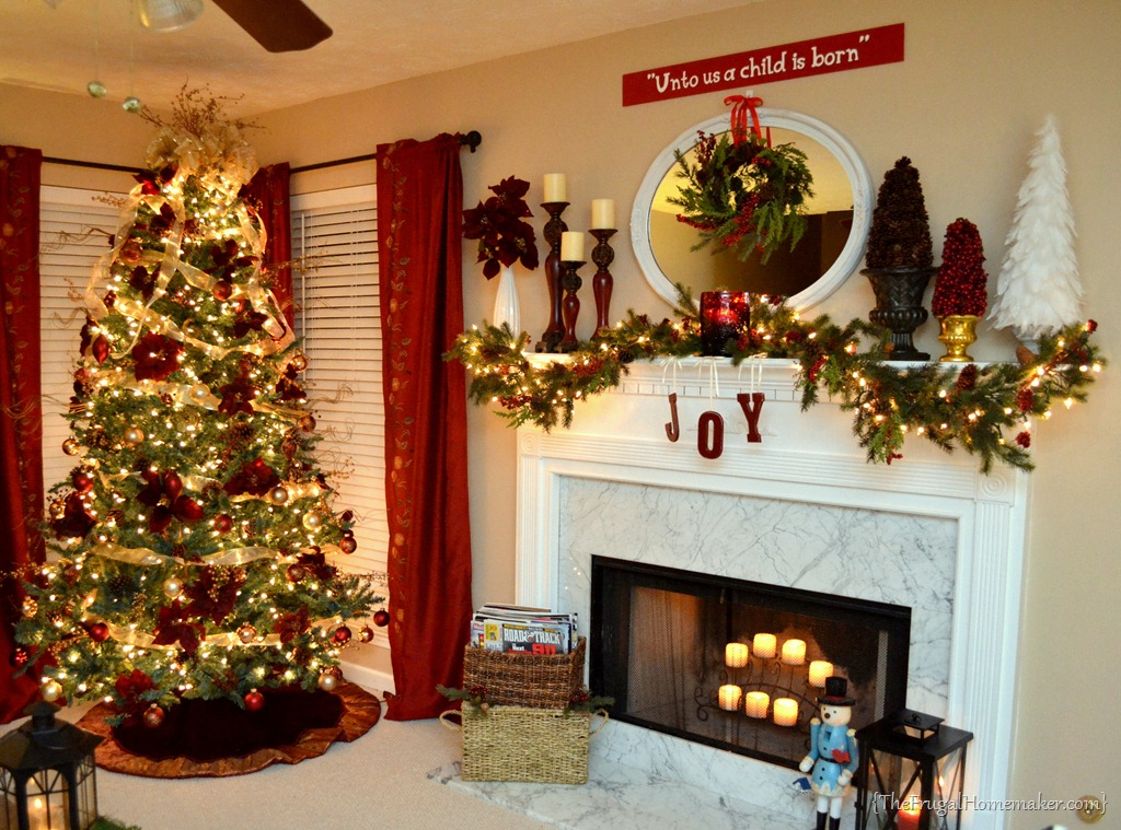 christmas mantel - Pictures Of Mantels Decorated For Christmas