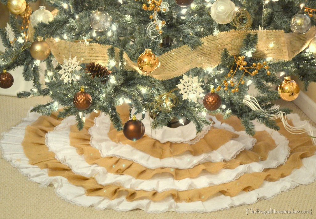 how to make a christmas tree skirt out of burlap