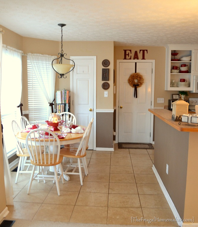Small change in the eat in kitchen decluttering for Small eat in kitchen