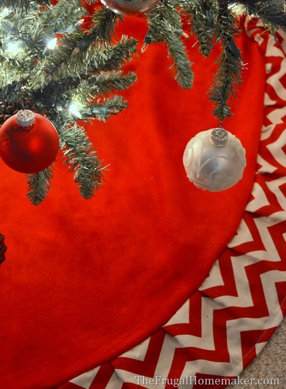 Red & White Chevron Christmas Tree Skirt