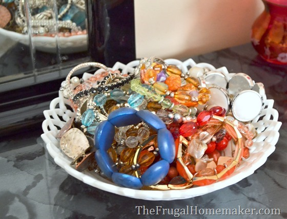 Store jewelry on your dresser in pretty bowls or dishes.