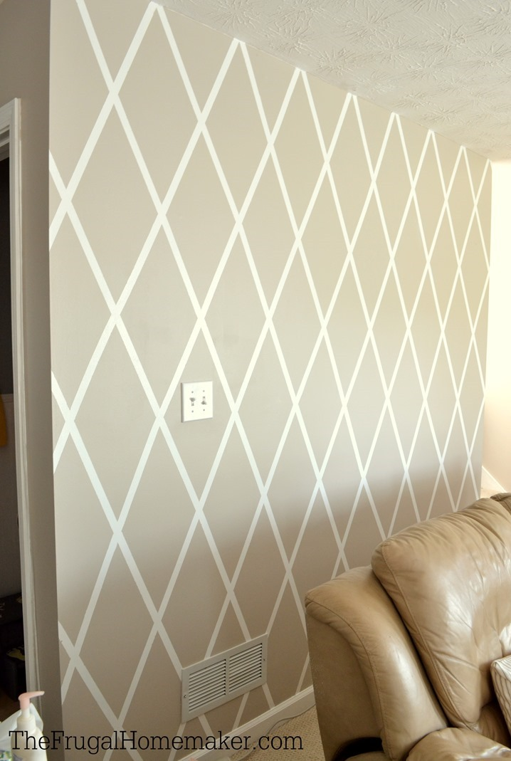 How to Paint a Diamond Accent Wall using ScotchBlue Painters Tape