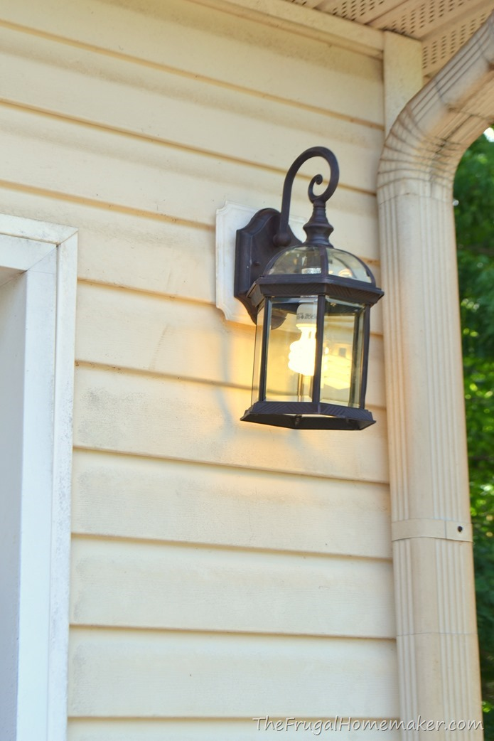 Outdoor light fixture change-up