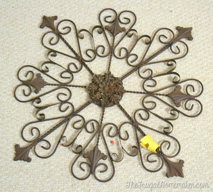 Friday Frugal Finds: wreaths, iron wall decor, and more!