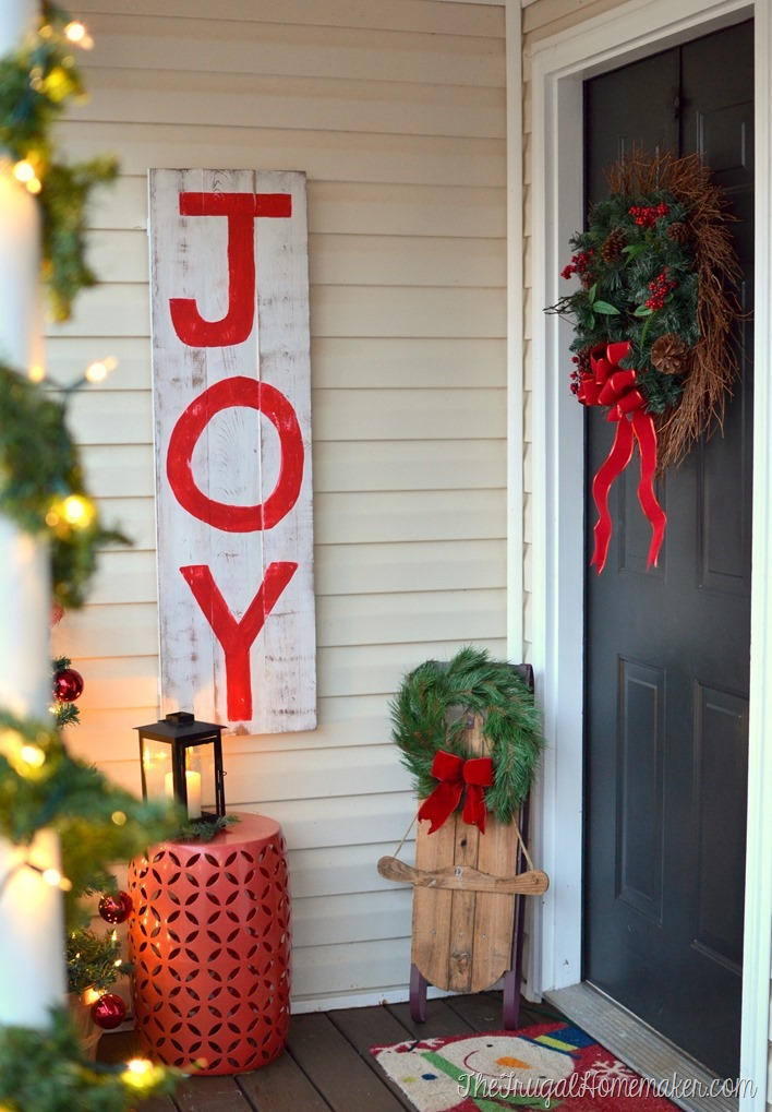 Christmas front porch and an easy layered Christmas wreath