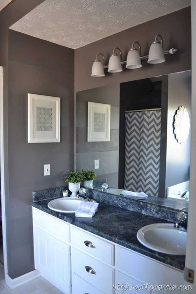 10 diy ideas for how to frame that basic bathroom mirror for Vanity mirrors for bathroom ideas