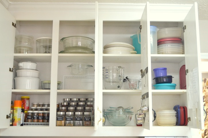 Organized kitchen cabinets
