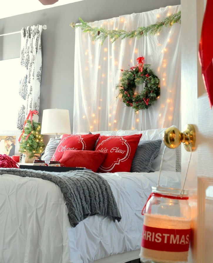 romantic christmas bedroom. Black Bedroom Furniture Sets. Home Design Ideas