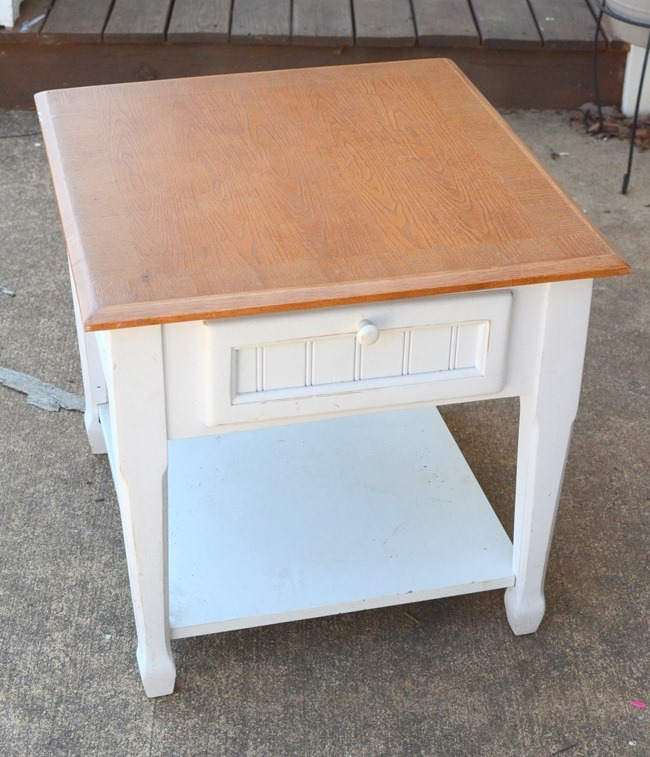 Friday Frugal Finds: End table, rocking chair, and farmhouse bench