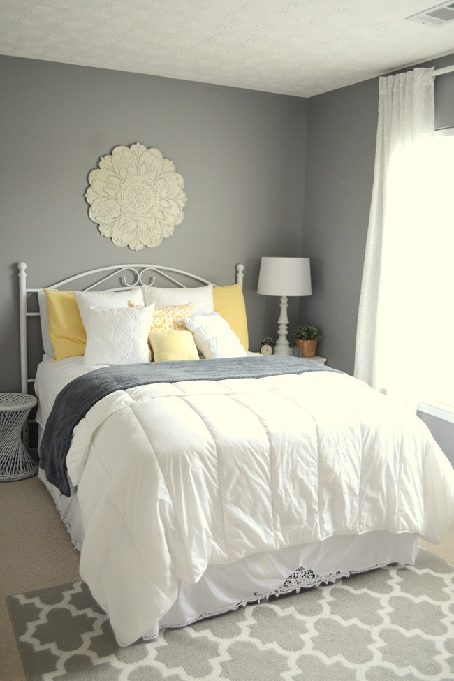 guest bedroom at our first home. Black Bedroom Furniture Sets. Home Design Ideas