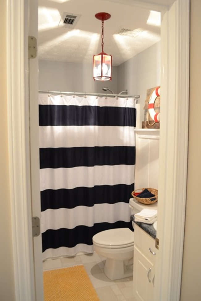 nautical guest bathroom