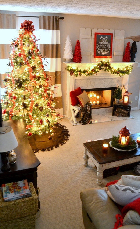 A look at christmases past at our old home - Christmas living room decor ...