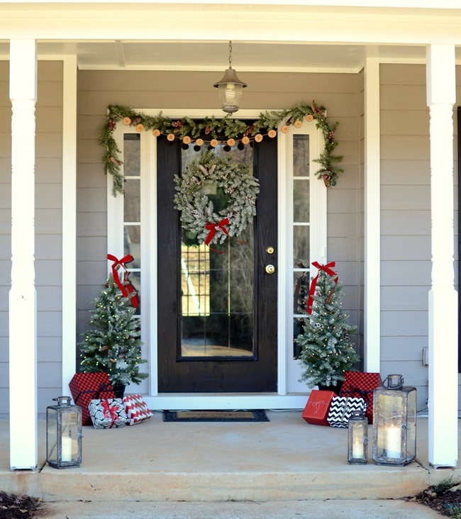 Farmhouse Christmas Front Porch with #HDCHolidayHomes Tour