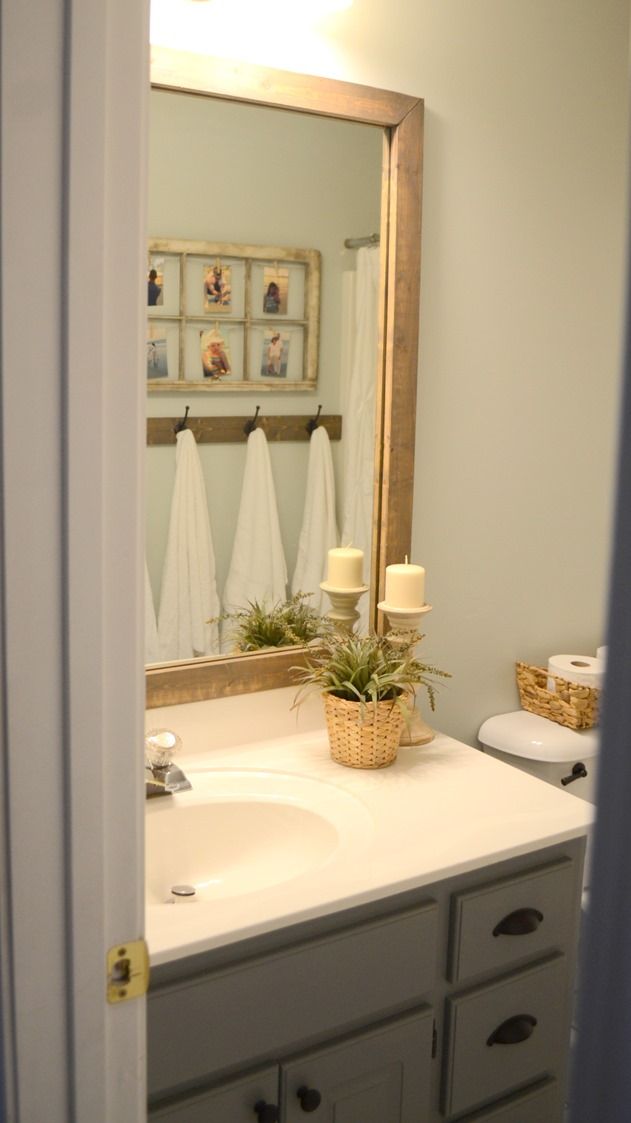Modern Farmhouse Bathroom makevoer