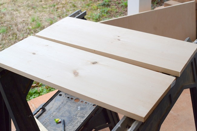 How to make easy + cheap floating shelves