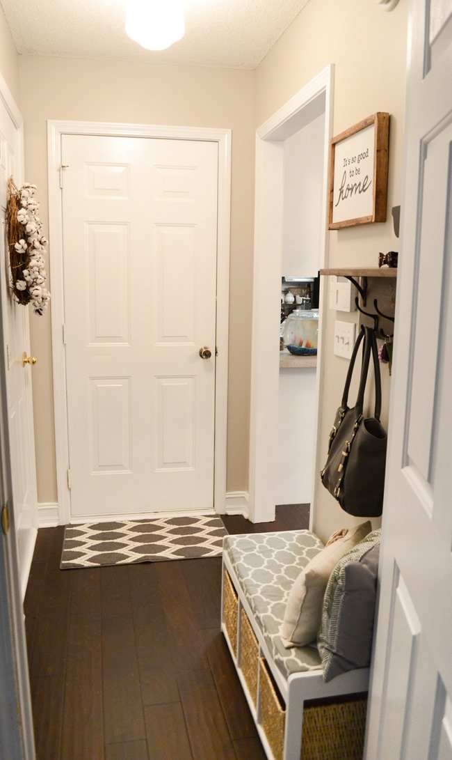 Farmhouse Style Mudroom Makeover reveal-15