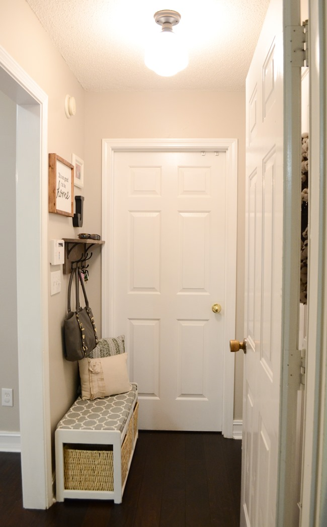 Farmhouse Style Mudroom Makeover reveal-16