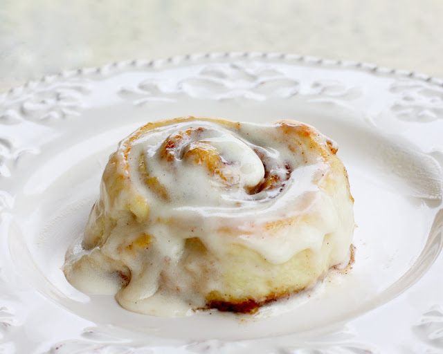 cinnabon-rolls-big