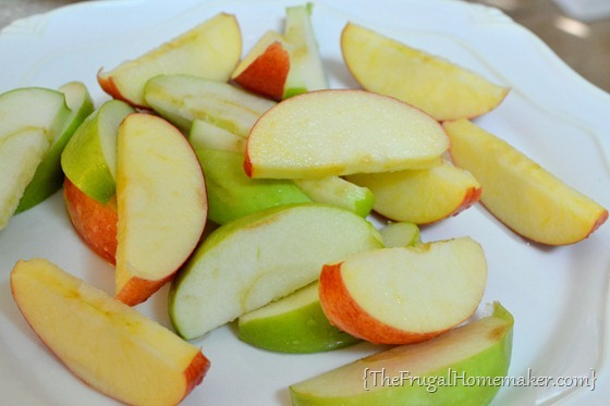 How to prevent apple slices from browning