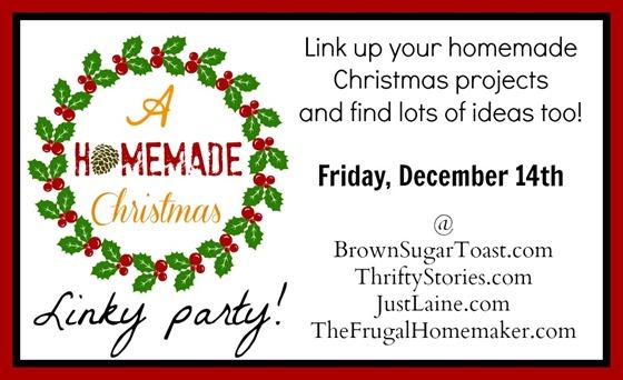 A Homemade Christmas linky party button
