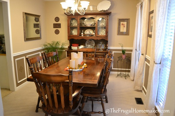 Dining room with white wainscoting