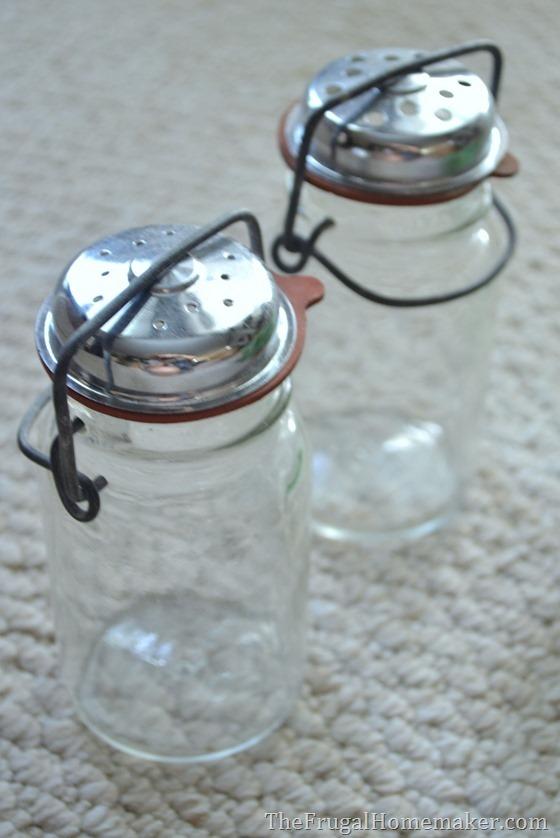 vintage ball salt/pepper shakers