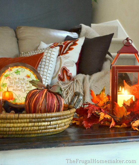 Warm and cozy Fall Living room