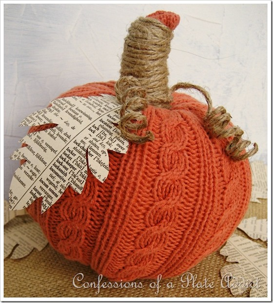Sweater pumpkin with Book Page Leaf