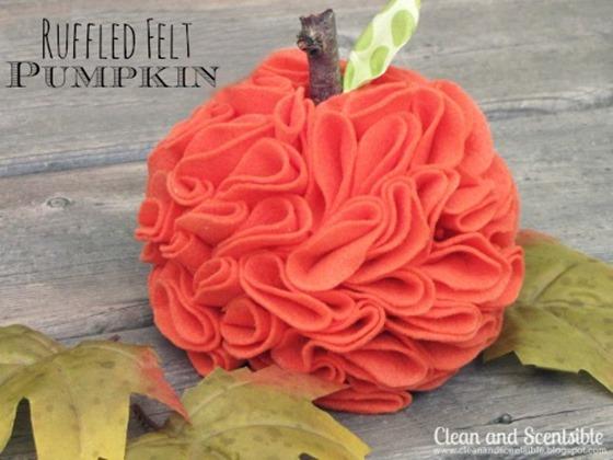 ruffled felt pumpkins