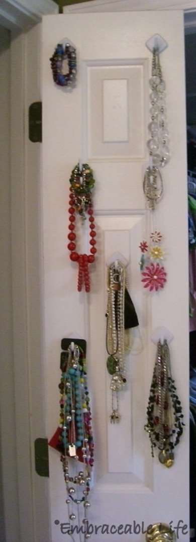 jewelry on command hooks