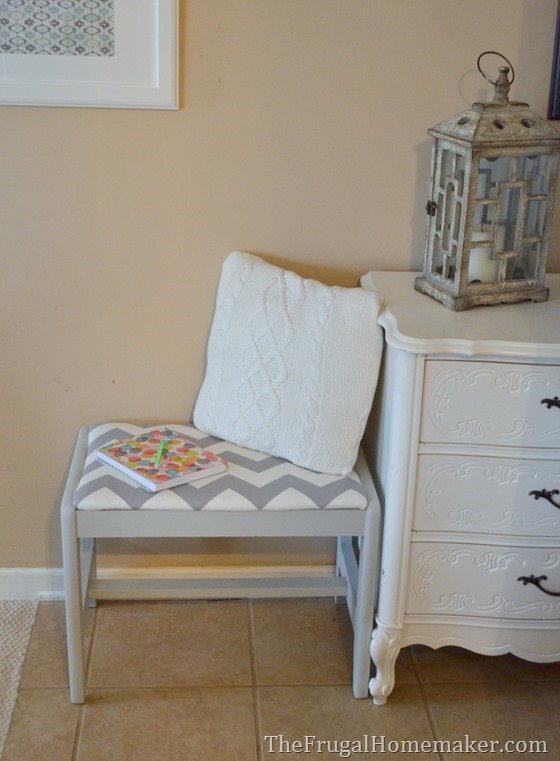 $2 thrift store bench makeover (gray and white chevron