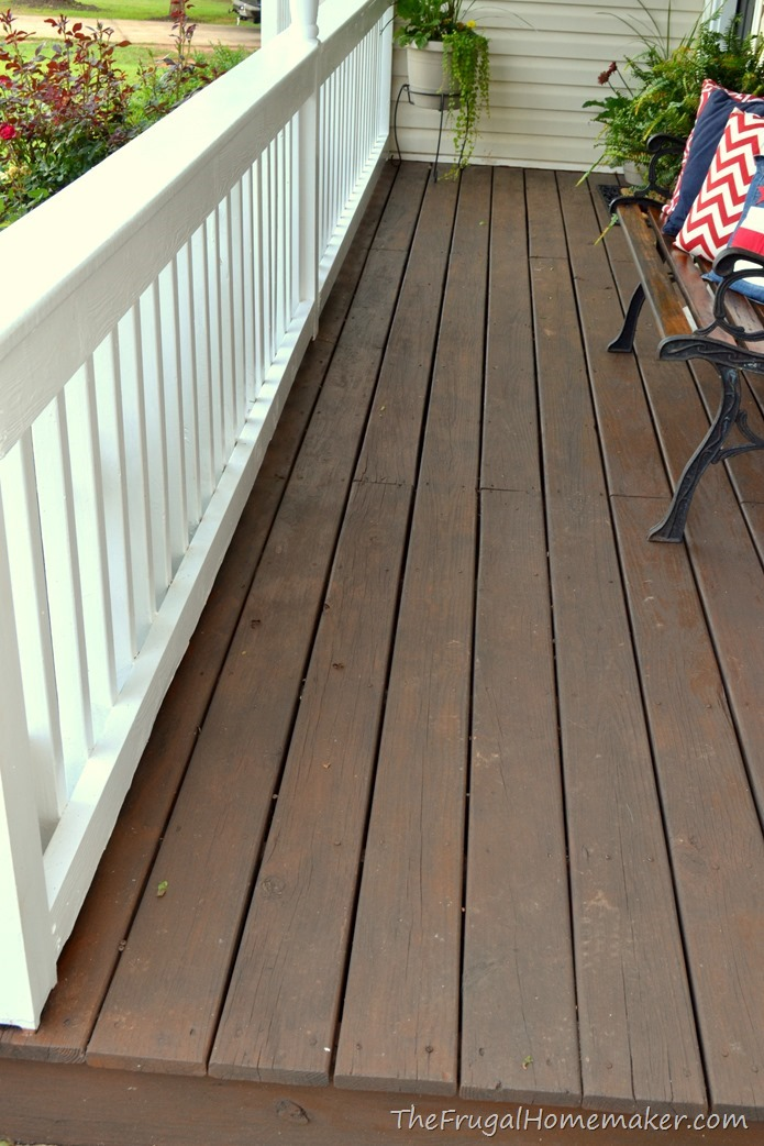 Front porch makeover (decorated for summer in red, white, and blue
