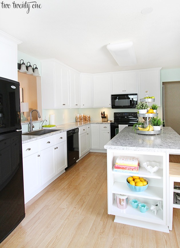 white-kitchen-black-appliances