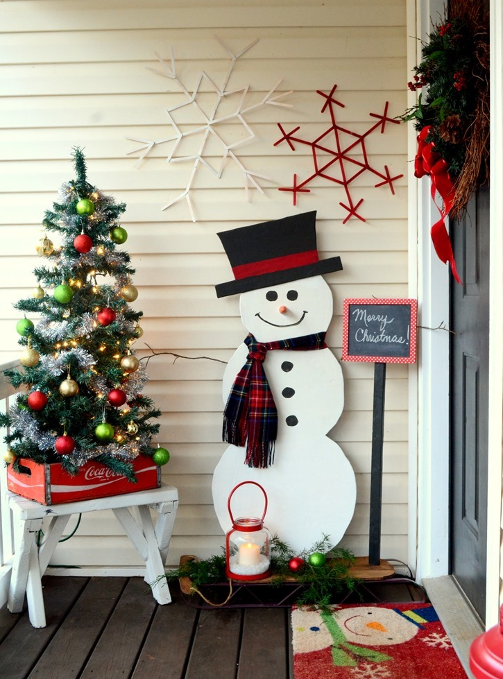 DIY Painted Wood Snowman