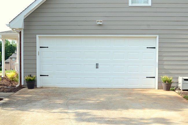 How to add character to your garage door (in 5 minutes and for less than $20!)