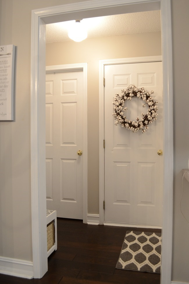 Farmhouse Style Mudroom Makeover reveal-2