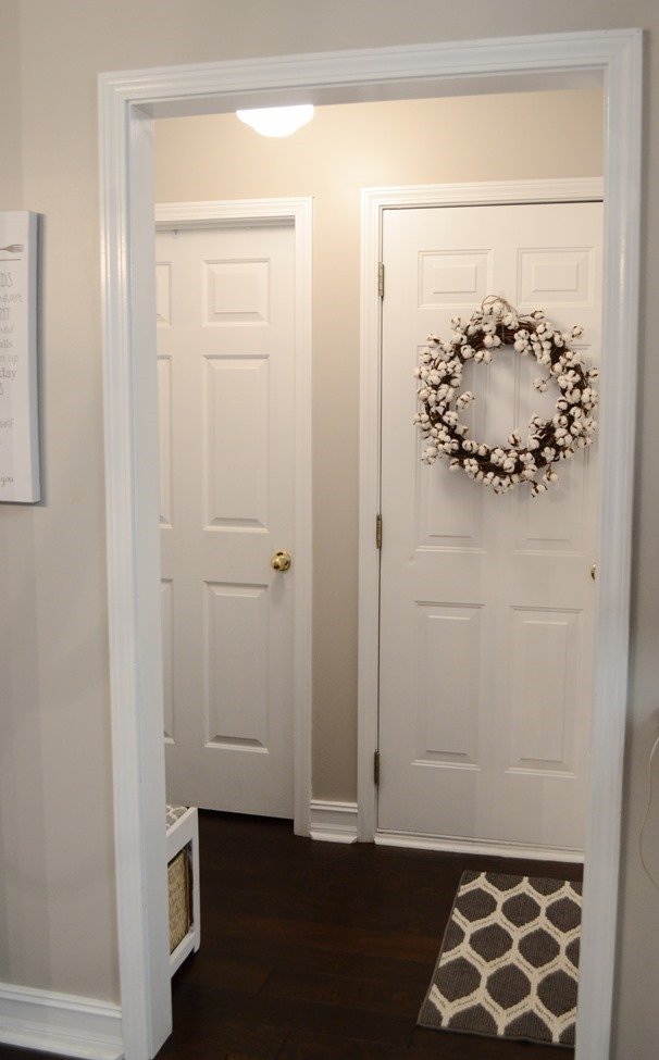 Farmhouse Style Mudroom Makeover reveal-4