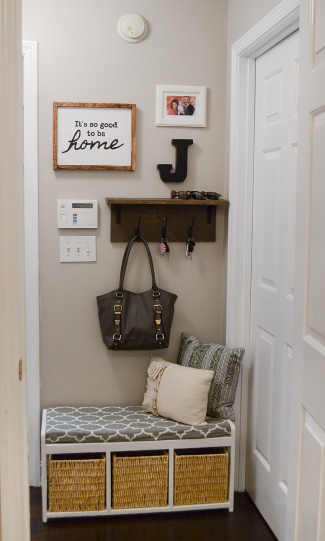 Farmhouse Style Mudroom Makeover reveal-7
