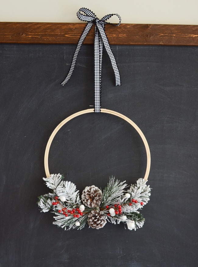 DIY Christmas Hoop Wreath-12