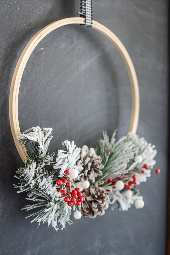 DIY Christmas Hoop Wreath-16