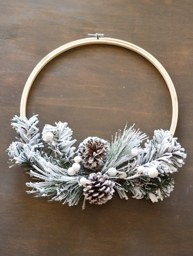 DIY Christmas Hoop Wreath-2