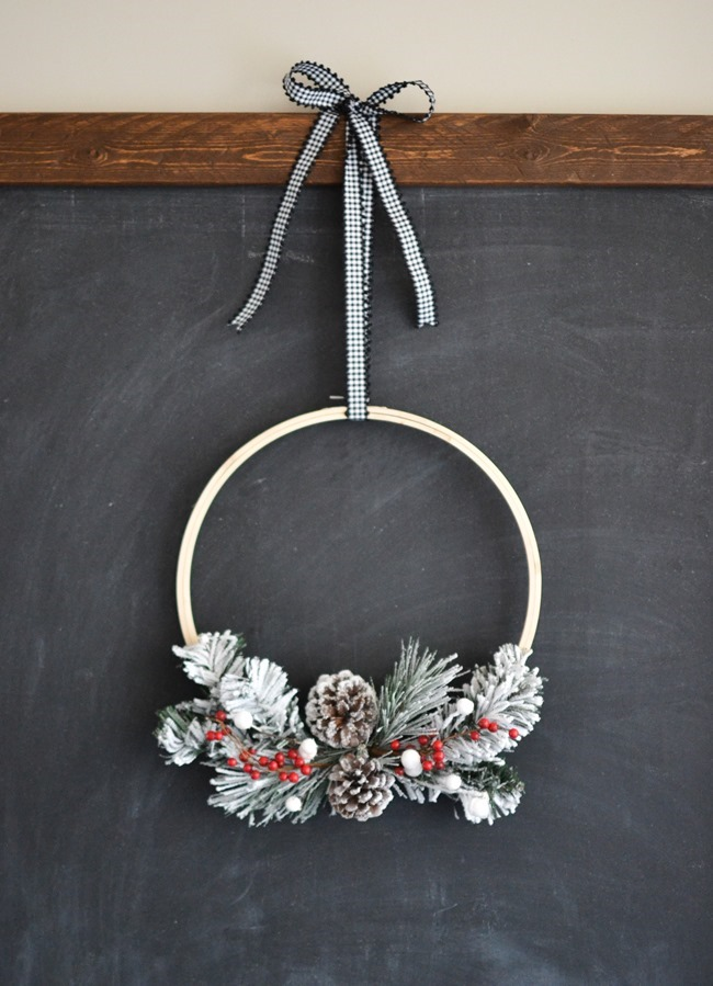 DIY Christmas Hoop Wreath-9