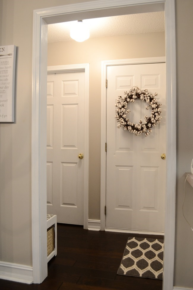 Farmhouse Style Mudroom Makeover reveal-3