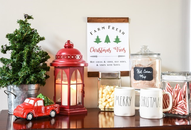 Free Christmas printable with a DIY wood frame