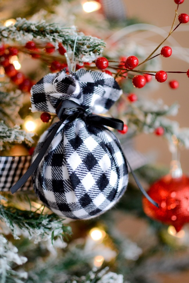 DIY Christmas flannel plaid ornaments-11
