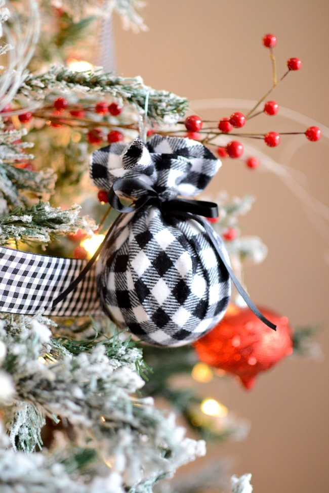 DIY Christmas flannel plaid ornaments-14