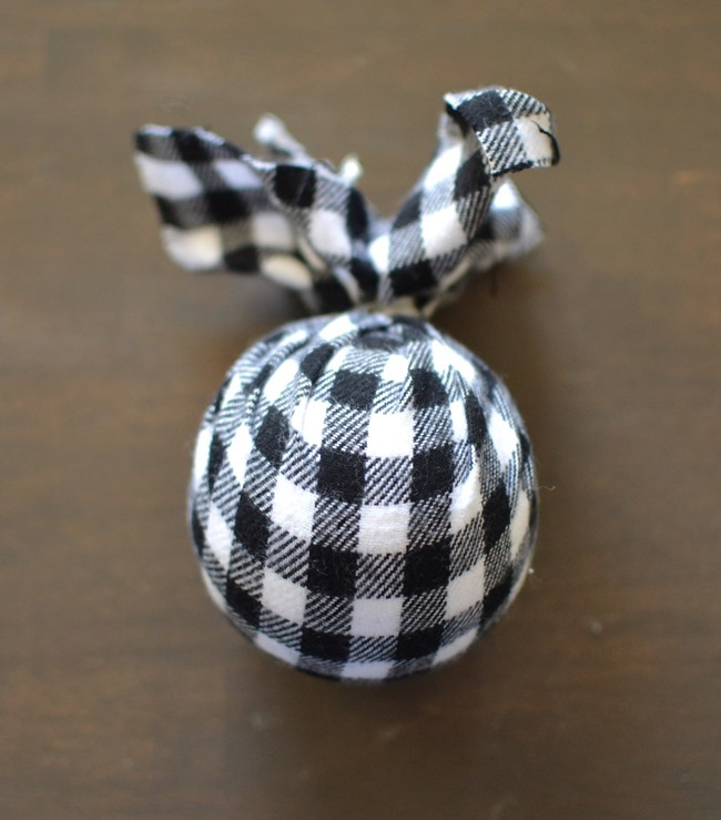DIY Christmas flannel plaid ornaments-3
